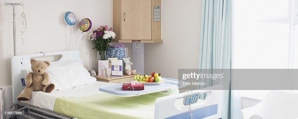 Empty room in childrens hospital : ストックフォト