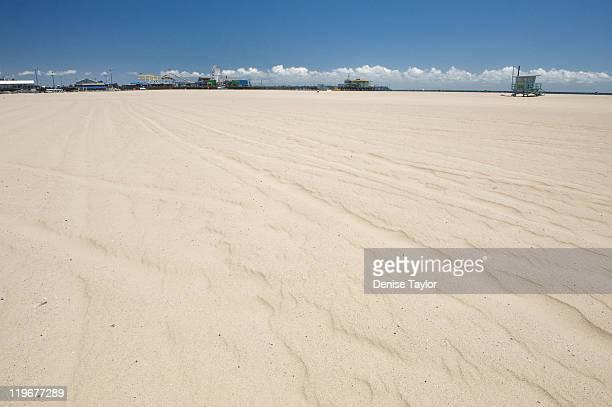 Empty sands