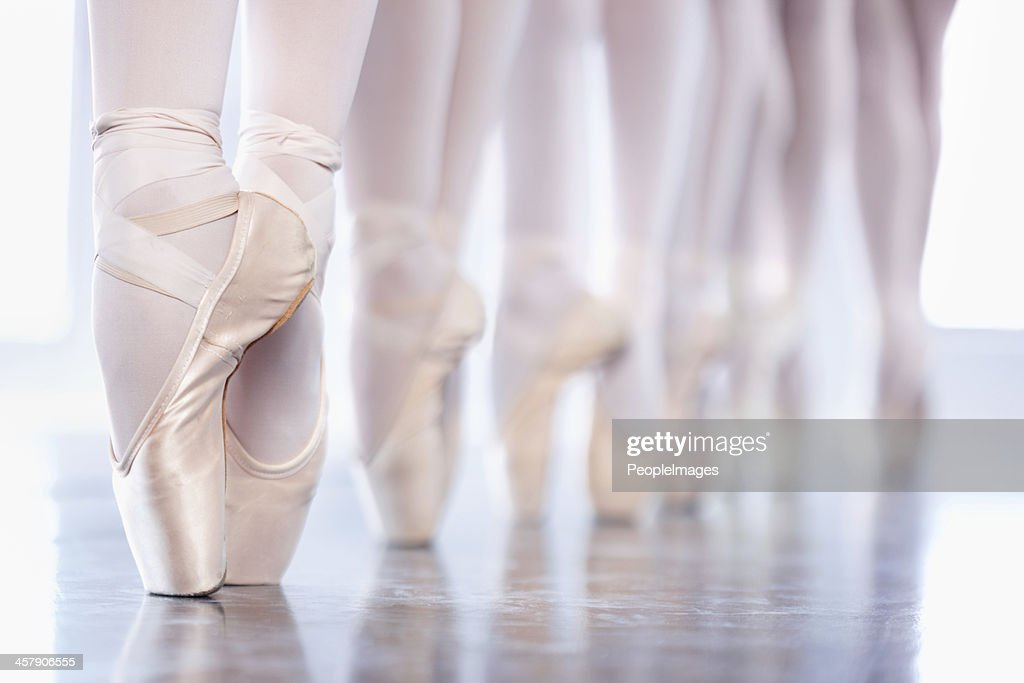 En pointe in a row : Stock Photo