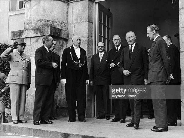 End Of The 2Nd Day Of Talks Between The President Of The French Republic And The West German Chancellor In Rambouillet They Were Surrounded By The...