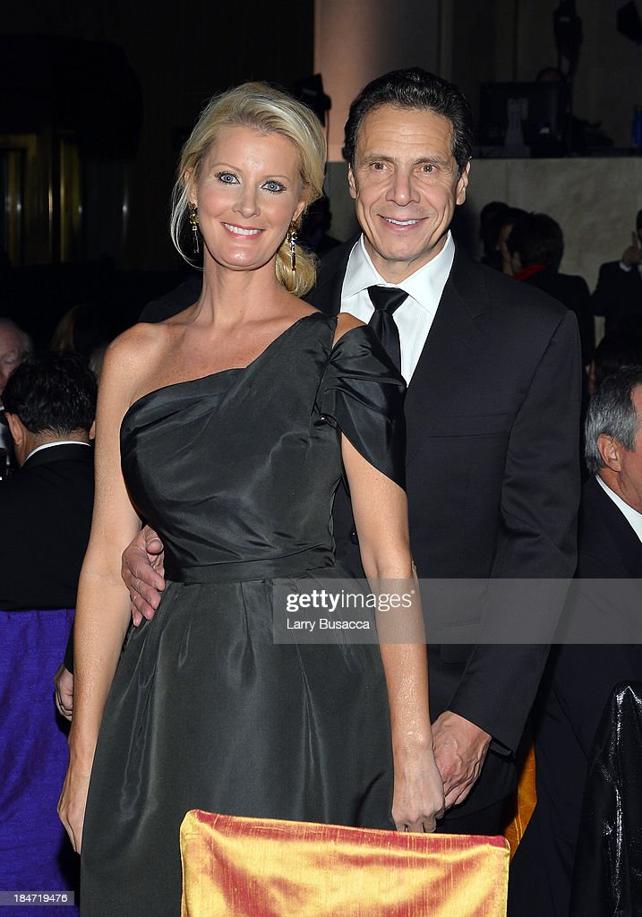 Enduring Vision Award Honoree Sandra Lee and New York Governor Andrew Cuomo attend the Elton John AIDS Foundation's 12th Annual An Enduring Vision...
