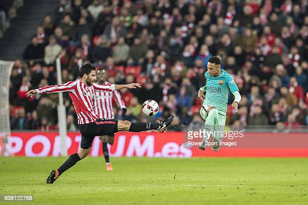 Eneko Boveda Altube of Athletic Club fights for the ball with Neymar da Silva Santos Junior of FC Barcelona during their Copa del Rey Round of 16...