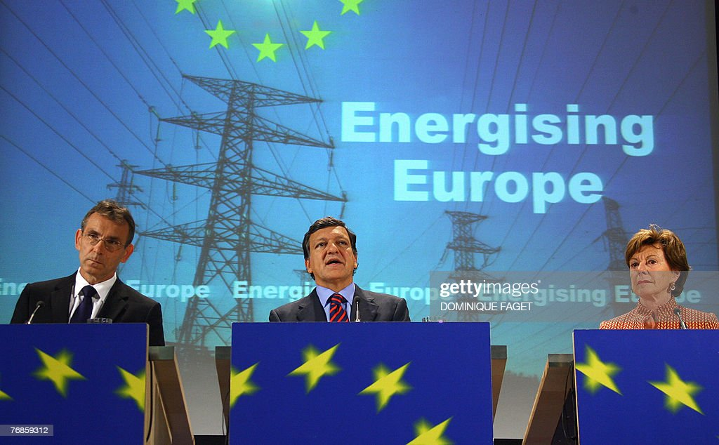 EU Energy Commissioner Andris Piebalgs European Commission President Jose Manuel Barroso and UE competition Commissioner Neelie Kroes give a press...