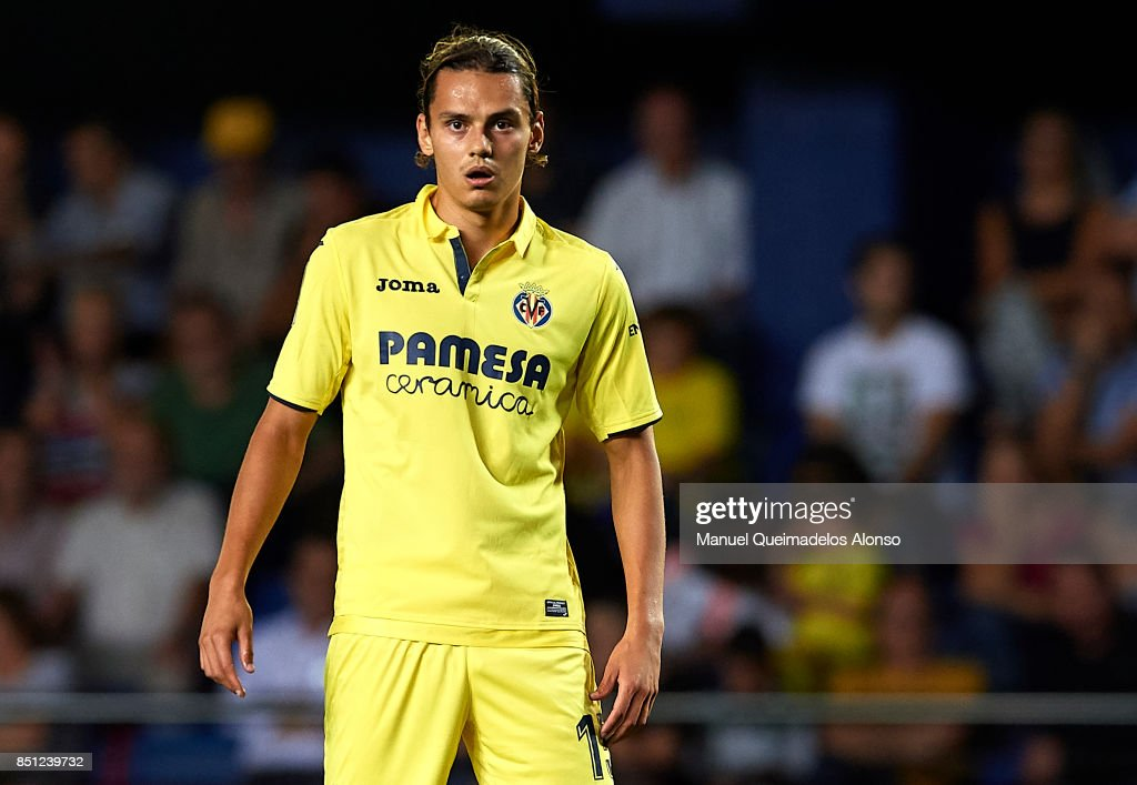 http://media.gettyimages.com/photos/enes-unal-of-villarreal-looks-on-during-the-la-liga-match-between-picture-id851239732