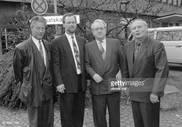 Engholm Bjoern * Politiker D Ministerpraesident von SchleswigHolstein 19881993 B Rudolf Scharping Johannes Rau Oskar Lafontaine 1991