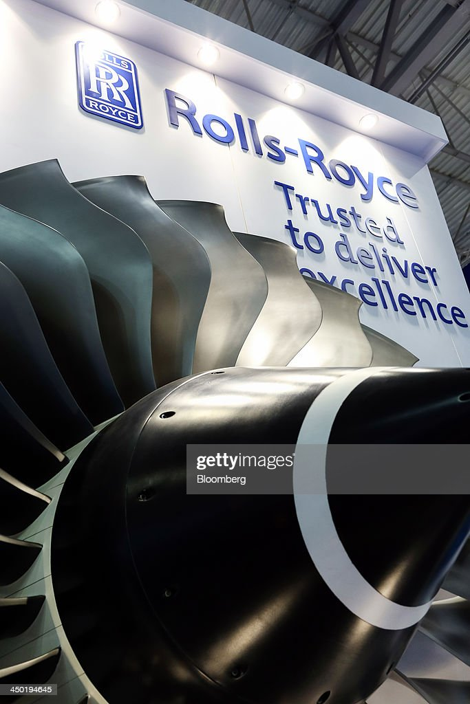 Engine blades from a Rolls-Royce aero engine, manufactured by Rolls-Royce Holdings Plc., is displayed on the company's stand during the 13th Dubai Airshow at Dubai World Central (DWC) in Dubai, United Arab Emirates, on Sunday, Nov. 17, 2013. The 13th edition of the biennial 2013 Dubai Airshow, the Middle East's leading aerospace event organized by F&E Aerospace. Photographer: Duncan Chard/Bloomberg via Getty Images