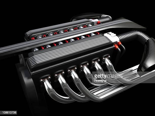 Zwölf Zylinder Motor auf dunklem Hintergrund