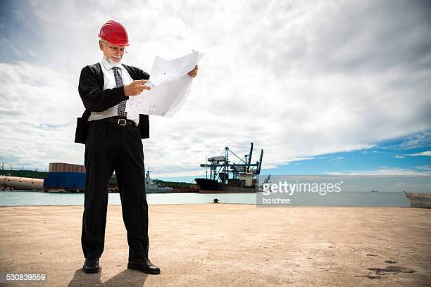 Ingenieur am Dock