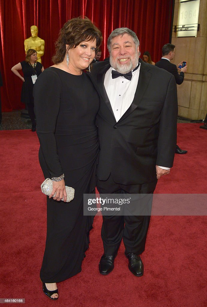 Engineer Steve Wozniak (R) and Janet Wozniak attend the 87th Annual Academy Awards at Hollywood & Highland Center on February 22, 2015 in Hollywood, California.