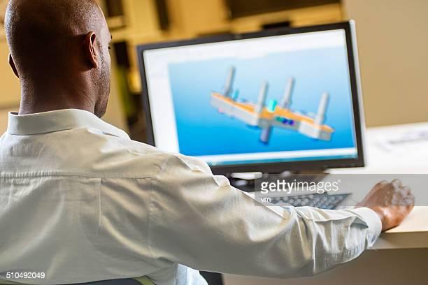 Ingenieur Arbeiten am Computer