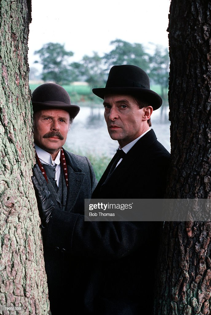England, 1985, Actors Edward Hardwicke (left), playing the role of Doctor Watson, and Jeremy Brett as Sherlock Holmes, are pictured in a scene from the Granada television productions of the Sherlock Holmes canon