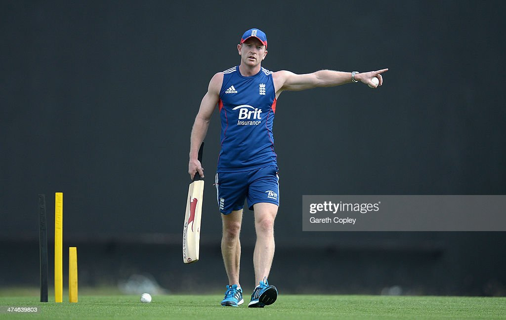 England assistant coach <a gi-track='captionPersonalityLinkClicked' href=/galleries/search?phrase=Paul+Collingwood&family=editorial&specificpeople=204191 ng-click='$event.stopPropagation()'>Paul Collingwood</a> holds a fielding drill during a nets session at Sir Viv Richards Cricket Ground on February 24, 2014 in Antigua, Antigua and Barbuda.