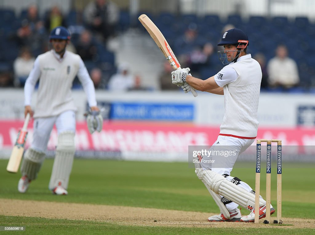 England batsman <a gi-track='captionPersonalityLinkClicked' href=/galleries/search?phrase=Alastair+Cook+-+Jogador+de+cr%C3%ADquete&family=editorial&specificpeople=571475 ng-click='$event.stopPropagation()'>Alastair Cook</a> cuts a ball to the boundary during day four of the 2nd Investec Test match between England and Sri Lanka at Emirates Durham ICG on May 30, 2016 in Chester-le-Street, United Kingdom.