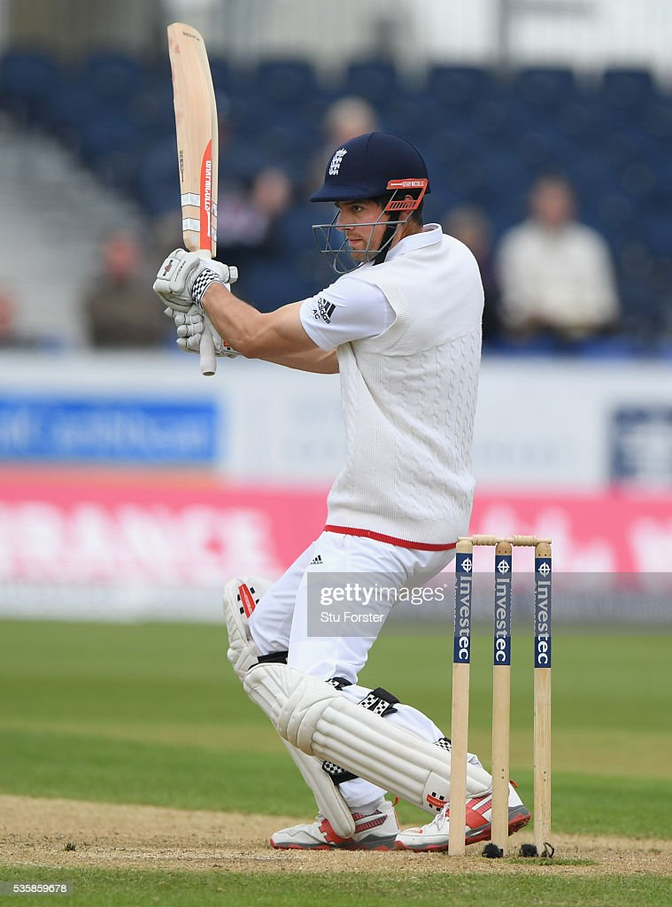 England batsman <a gi-track='captionPersonalityLinkClicked' href=/galleries/search?phrase=Alastair+Cook+-+Giocatore+di+cricket&family=editorial&specificpeople=571475 ng-click='$event.stopPropagation()'>Alastair Cook</a> cuts a ball to the boundary during day four of the 2nd Investec Test match between England and Sri Lanka at Emirates Durham ICG on May 30, 2016 in Chester-le-Street, United Kingdom.
