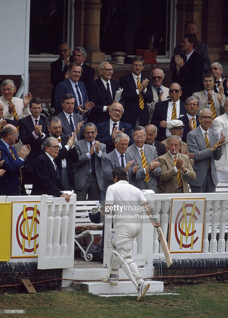 England batsman Allan Lamb receives a standing ovation as he returns to the pavilion after scoring 139 on the second day of the 1st Test Match between England and India at Lord's Cricket Ground in London, 27th July 1990. England won by 247 runs.