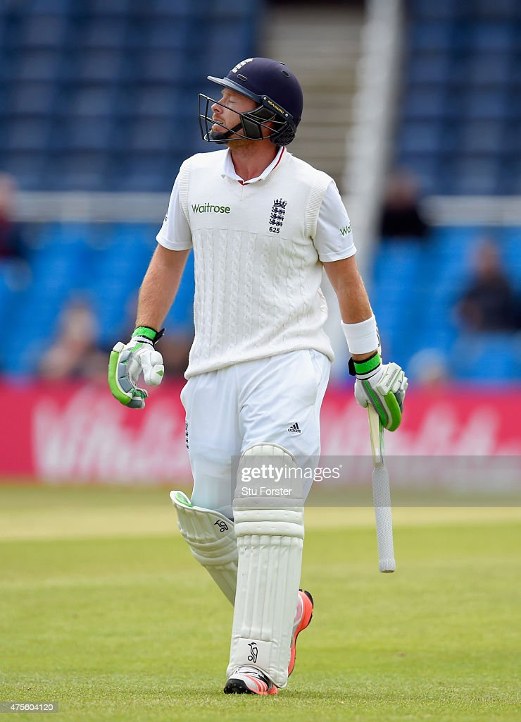 England batsman <a gi-track='captionPersonalityLinkClicked' href=/galleries/search?phrase=Ian+Bell&family=editorial&specificpeople=206128 ng-click='$event.stopPropagation()'>Ian Bell</a> reacts after being dismissed during day five of the 2nd Investec test match between England and New Zealand at Headingley on June 2, 2015 in Leeds, England.