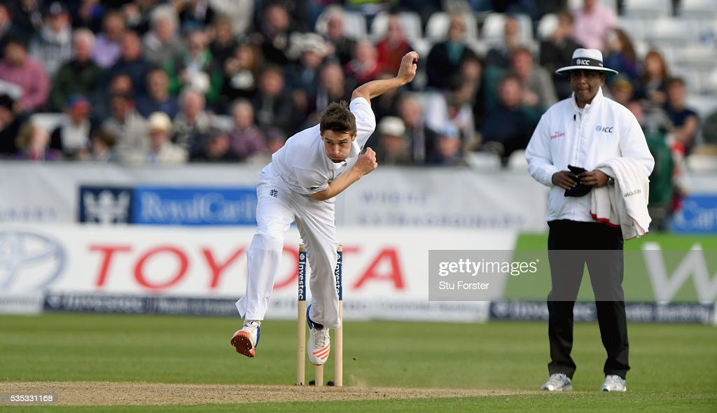 England bowler <a gi-track='captionPersonalityLinkClicked' href=/galleries/search?phrase=Chris+Woakes&family=editorial&specificpeople=4444585 ng-click='$event.stopPropagation()'>Chris Woakes</a> in action during day three of the 2nd Investec Test match between England and Sri Lanka at Emirates Durham ICG on May 29, 2016 in Chester-le-Street, United Kingdom.
