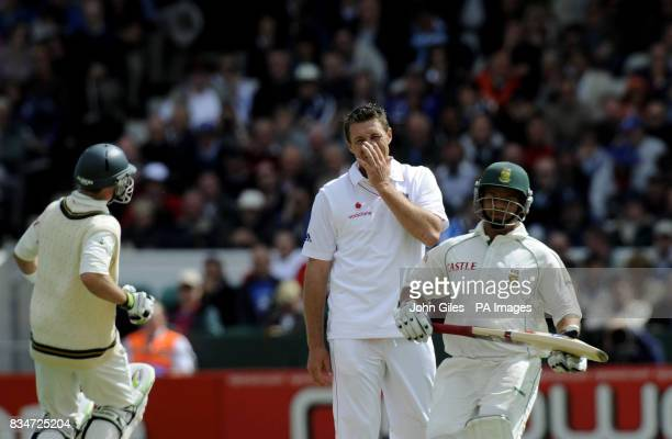 England bowler Darren Pattinson looks frustrated as Ashwell Prince and Ab de Villierspile up the runs for South Africa during the Second npower Test...