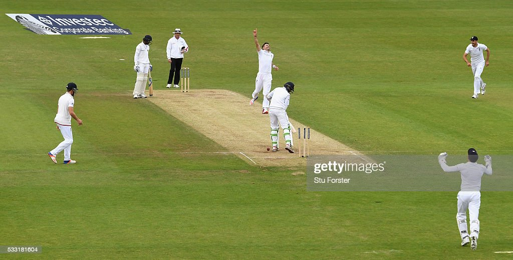 England bowler James Anderson celebrates after taking his 10th wicket and the final wicket of the match by bowling Sri Lanka batsman Nuwan Pradeep during day three of the 1st Investec Test match between England and Sri Lanka at Headingley on May 21, 2016 in Leeds, United Kingdom.