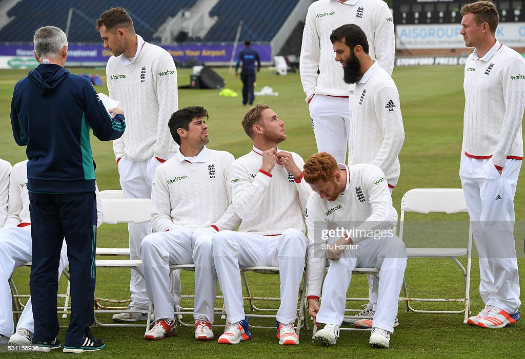 England bowler <a gi-track='captionPersonalityLinkClicked' href=/galleries/search?phrase=Stuart+Broad&family=editorial&specificpeople=574360 ng-click='$event.stopPropagation()'>Stuart Broad</a> (front row centre) chats with Moeen Ali as the players congregate for the team picture during England Nets session ahead of the 2nd Investec Test match between England and Sri Lanka at Emirates Durham ICG on May 25, 2016 in Chester-le-Street, United Kingdom.