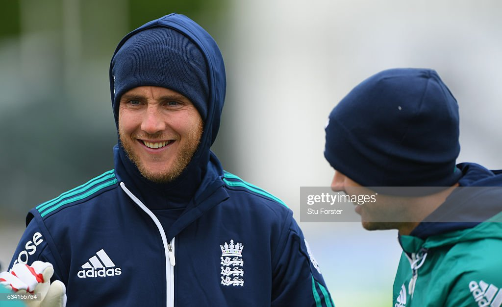 England bowler <a gi-track='captionPersonalityLinkClicked' href=/galleries/search?phrase=Stuart+Broad&family=editorial&specificpeople=574360 ng-click='$event.stopPropagation()'>Stuart Broad</a> wraps up against the elements alongside James Anderson during England Nets session ahead of the 2nd Investec Test match between England and Sri Lanka at Emirates Durham ICG on May 25, 2016 in Chester-le-Street, United Kingdom.