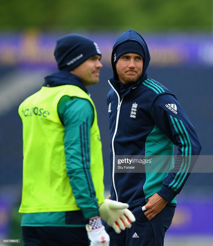 England bowler <a gi-track='captionPersonalityLinkClicked' href=/galleries/search?phrase=Stuart+Broad&family=editorial&specificpeople=574360 ng-click='$event.stopPropagation()'>Stuart Broad</a> (r) wraps up against the elements alongside <a gi-track='captionPersonalityLinkClicked' href=/galleries/search?phrase=James+Anderson+-+Cricket+Player&family=editorial&specificpeople=6920305 ng-click='$event.stopPropagation()'>James Anderson</a> during England Nets session ahead of the 2nd Investec Test match between England and Sri Lanka at Emirates Durham ICG on May 25, 2016 in Chester-le-Street, United Kingdom.
