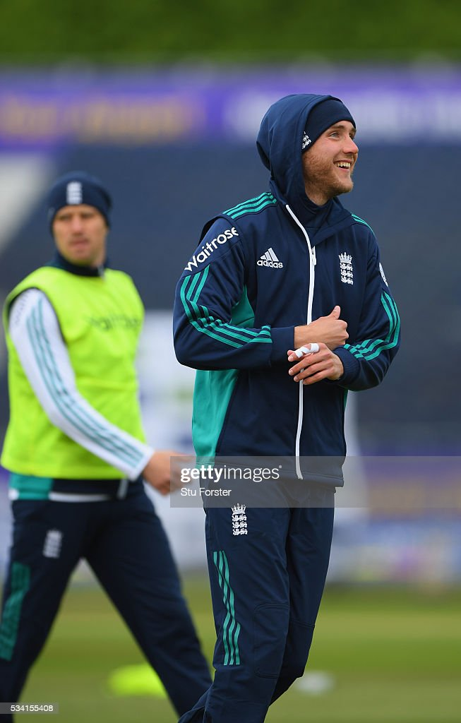 England bowler <a gi-track='captionPersonalityLinkClicked' href=/galleries/search?phrase=Stuart+Broad&family=editorial&specificpeople=574360 ng-click='$event.stopPropagation()'>Stuart Broad</a> wraps up against the elements during England Nets session ahead of the 2nd Investec Test match between England and Sri Lanka at Emirates Durham ICG on May 25, 2016 in Chester-le-Street, United Kingdom.