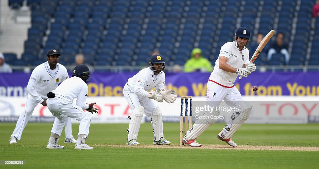 England captain <a gi-track='captionPersonalityLinkClicked' href=/galleries/search?phrase=Alastair+Cook+-+Jogador+de+cr%C3%ADquete&family=editorial&specificpeople=571475 ng-click='$event.stopPropagation()'>Alastair Cook</a> bats during day four of the 2nd Investec Test match between England and Sri Lanka at Emirates Durham ICG on May 30, 2016 in Chester-le-Street, United Kingdom.