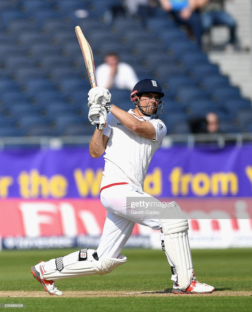 England captain <a gi-track='captionPersonalityLinkClicked' href=/galleries/search?phrase=Alastair+Cook+-+Joueur+de+cricket&family=editorial&specificpeople=571475 ng-click='$event.stopPropagation()'>Alastair Cook</a> bats during day four of the 2nd Investec Test match between England and Sri Lanka at Emirates Durham ICG on May 30, 2016 in Chester-le-Street, United Kingdom.