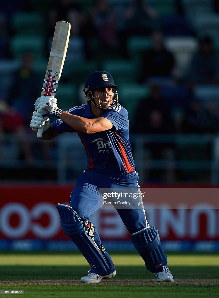 England captain <a gi-track='captionPersonalityLinkClicked' href=/galleries/search?phrase=Alastair+Cook+-+Joueur+de+cricket&family=editorial&specificpeople=571475 ng-click='$event.stopPropagation()'>Alastair Cook</a> bats during the second match of the international Twenty20 series between New Zealand and England at McLean Park on February 20, 2013 in Napier, New Zealand.