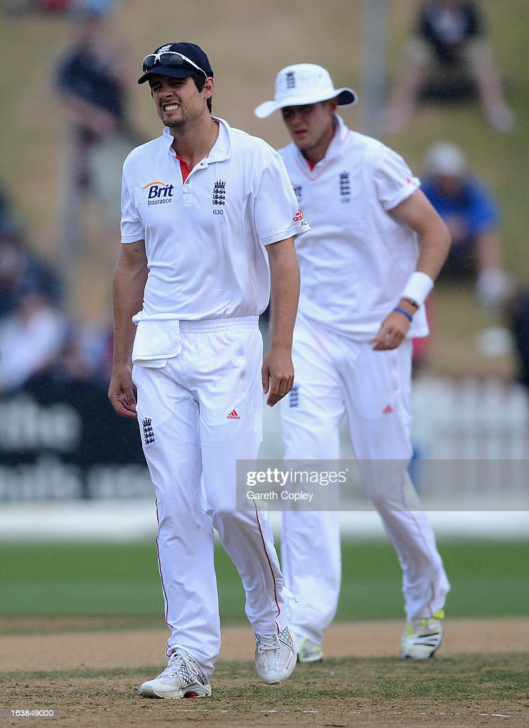 England captain <a gi-track='captionPersonalityLinkClicked' href=/galleries/search?phrase=Alastair+Cook+-+Cricket+Player&family=editorial&specificpeople=571475 ng-click='$event.stopPropagation()'>Alastair Cook</a> leaves the field as rain stops play during day four of the second Test match between New Zealand and England at Basin Reserve on March 17, 2013 in Wellington, New Zealand.