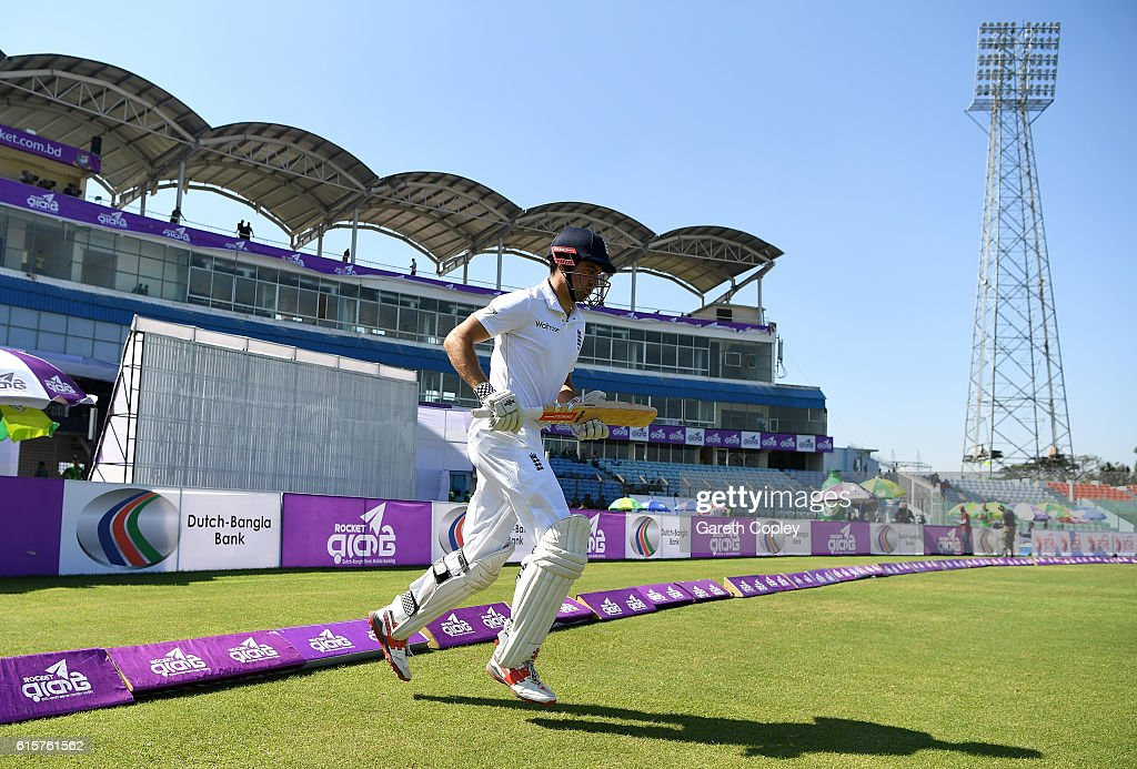 Bangladesh v England - First Test: Day One : News Photo