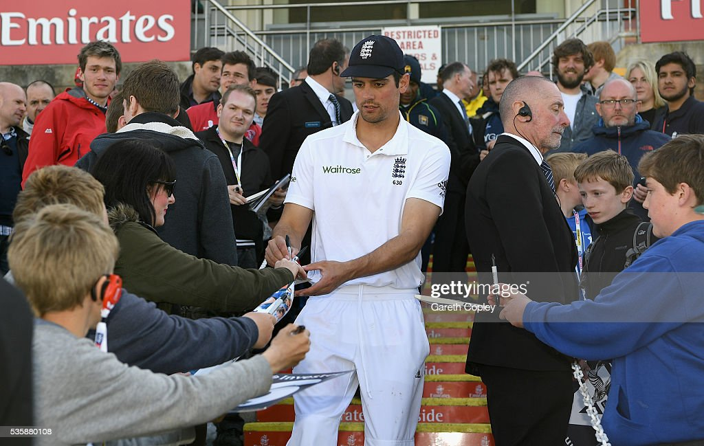 England captain <a gi-track='captionPersonalityLinkClicked' href=/galleries/search?phrase=Alastair+Cook+-+Cricketspeler&family=editorial&specificpeople=571475 ng-click='$event.stopPropagation()'>Alastair Cook</a> signs autographs after winning the 2nd Investec Test match between England and Sri Lanka at Emirates Durham ICG on May 30, 2016 in Chester-le-Street, United Kingdom.