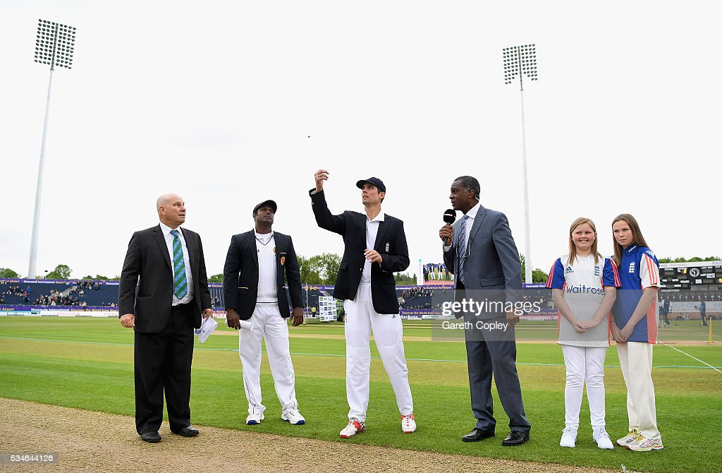 England captain <a gi-track='captionPersonalityLinkClicked' href=/galleries/search?phrase=Alastair+Cook+-+Cricket+Player&family=editorial&specificpeople=571475 ng-click='$event.stopPropagation()'>Alastair Cook</a> toss the coin alongside <a gi-track='captionPersonalityLinkClicked' href=/galleries/search?phrase=Angelo+Mathews&family=editorial&specificpeople=5622021 ng-click='$event.stopPropagation()'>Angelo Mathews</a> of Sri Lanka ahead of day one of the 2nd Investec Test match between England and Sri Lanka at Emirates Durham ICG on May 27, 2016 in Chester-le-Street, United Kingdom.
