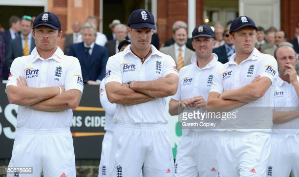 England captain Andrew Strauss waits with Ian Bell Graeme Swann and Jonathan Bairstow for the presentations after losing the 3rd Investec Test match...