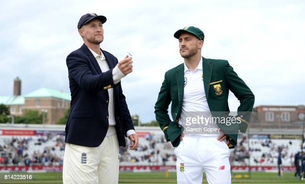 England captain Joe Root tosses the coin alongside South Africa captain Faf du Plessis ahead of day one of the 2nd Investec Test match between...