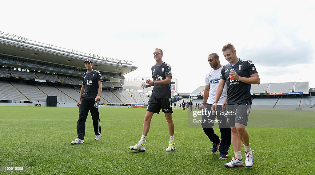 England captain Stuart Broad alongside Steven Finn, Andre Adams and Luke Wright arrives for an England nets session at Eden Park on February 8, 2013 in Auckland, New Zealand.