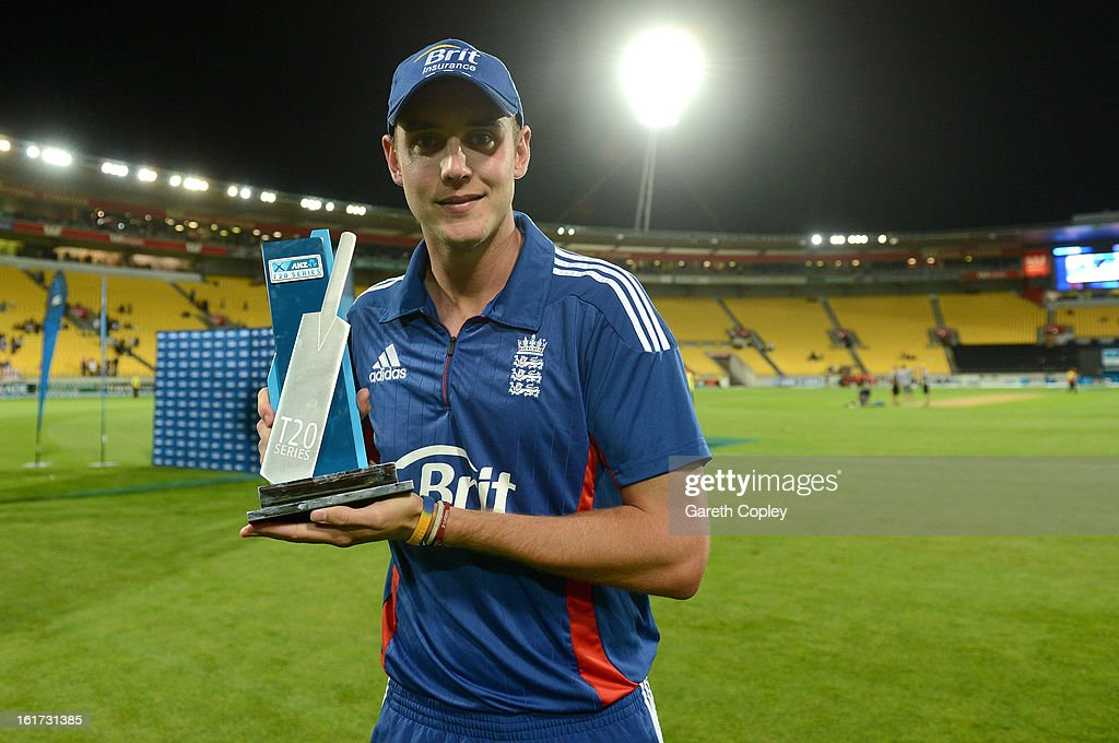 England captain Stuart Broad holds the Twenty20 International series trophy after the third Twenty20 International match between New Zealand and England at Westpac Stadium on February 15, 2013 in Wellington, New Zealand.