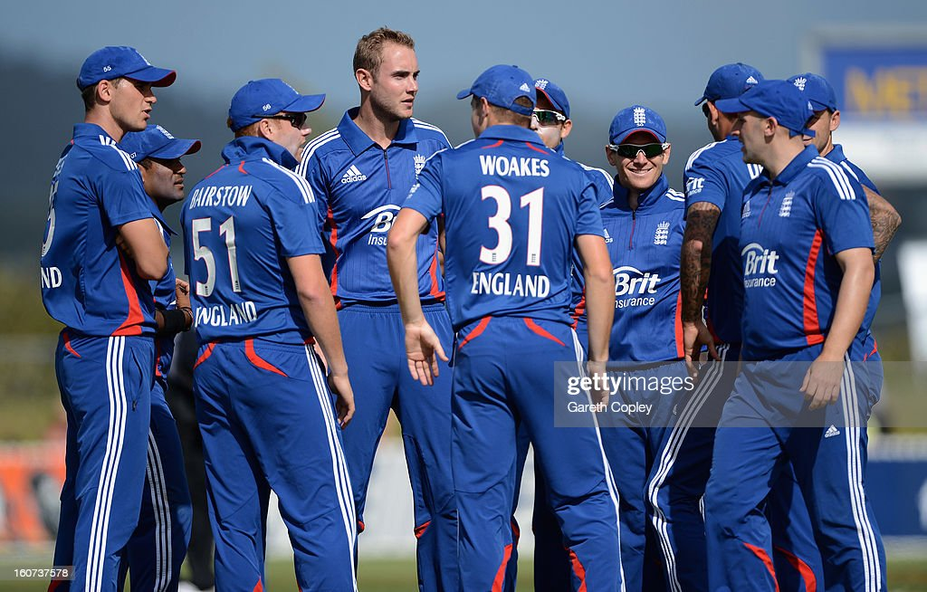 England captain <a gi-track='captionPersonalityLinkClicked' href=/galleries/search?phrase=Stuart+Broad&family=editorial&specificpeople=574360 ng-click='$event.stopPropagation()'>Stuart Broad</a> huddles with his team during a T20 Practice Match between New Zealand XI and England at Cobham Oval on February 5, 2013 in Whangarei, New Zealand.