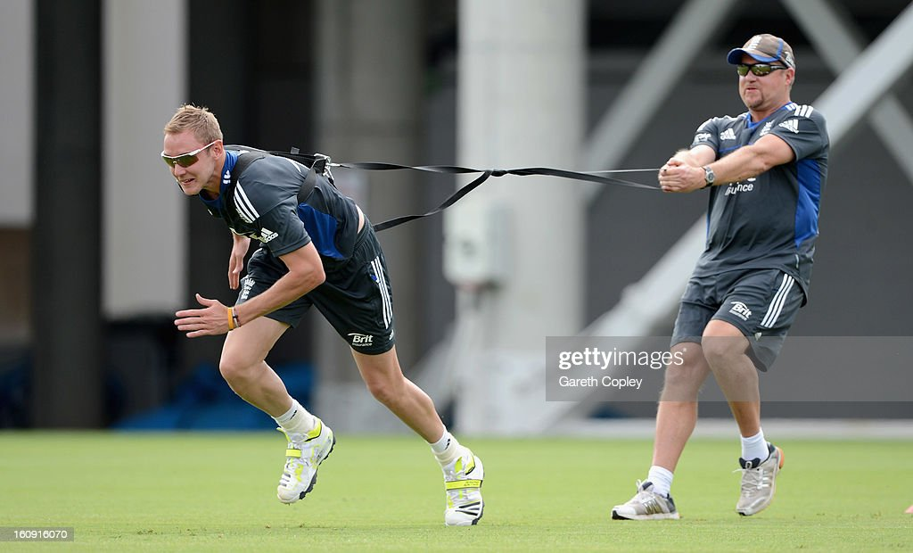 England captain <a gi-track='captionPersonalityLinkClicked' href=/galleries/search?phrase=Stuart+Broad&family=editorial&specificpeople=574360 ng-click='$event.stopPropagation()'>Stuart Broad</a> warms up with bowling coach David Saker during an England nets session at Eden Park on February 8, 2013 in Auckland, New Zealand.