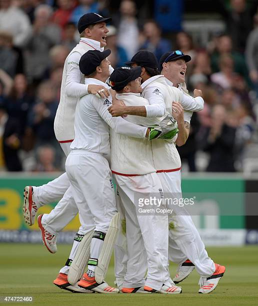 England celebrate after Moeen Ali of England catches out Trent Boult of New Zealand to win the 1st Investec Test match between England and New...