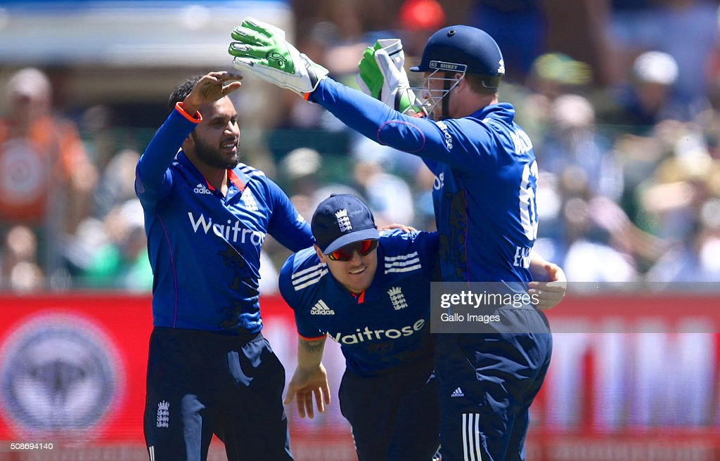 England celebrate the dismissal of Faf du Plessis of the Proteas during the 2nd Momentum ODI Series match between South Africa and England at St Georges Park on February 06, 2016 in Port Elizabeth, South Africa.