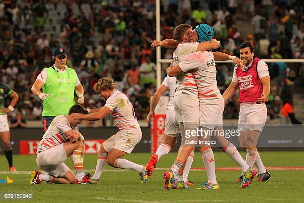 England celebrating during the final match between England and South Africa during day 2 of the HSBC Cape Town Sevens at Cape Town Stadium on...
