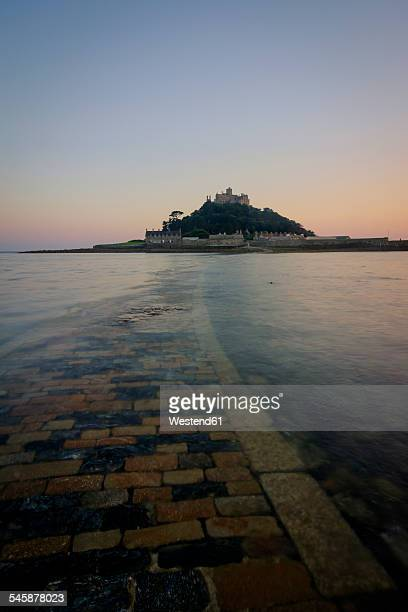 UK, England, Cornwall, tidal island St Michaels Mount at dusk