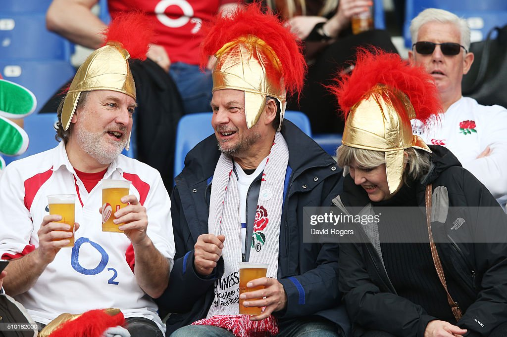 England fans enjoy the pre match atmosphere during the RBS Six Nations match between Italy and England at the Stadio Olimpico on February 14, 2016 in Rome, Italy.