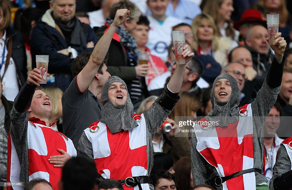 England fans enjoy the prematch atmosphere before the RBS Six Nations match between Italy and England at Stadio Olimpico on February 14, 2016 in Rome, Italy.