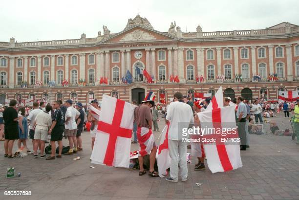England fans outside Toulouse Town Hall