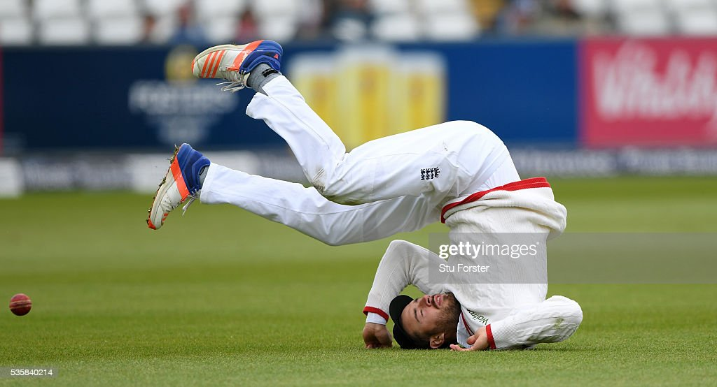 England fielder <a gi-track='captionPersonalityLinkClicked' href=/galleries/search?phrase=James+Vince&family=editorial&specificpeople=5807286 ng-click='$event.stopPropagation()'>James Vince</a> drops a catch off Sri Lanka batsman Rangana Herath (not pictured) during day four of the 2nd Investec Test match between England and Sri Lanka at Emirates Durham ICG on May 30, 2016 in Chester-le-Street, United Kingdom.