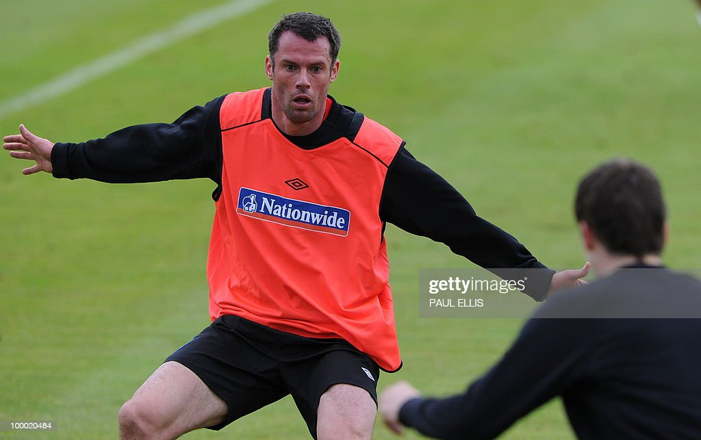 England footballer Jamie Carragher (L) takes part in a training session in Irdning, Austria on May 19, 2010 ahead of the World Cup Finals in South Africa.
