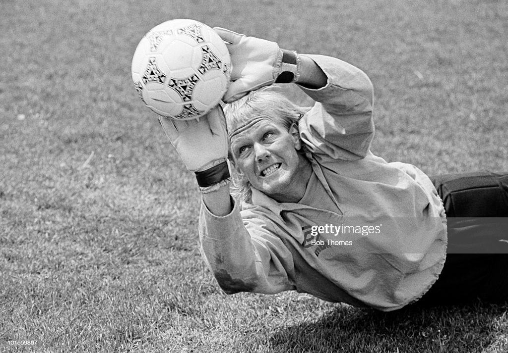 England goalkeeper Gary Bailey is put through his paces in a fitness test for his injured knee during a pre-World Cup training session held in Colorado Springs, Colorado, USA on 21st May 1986. (Bob Thomas/Getty Images).